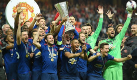 欧联杯-曼联夺冠 成就欧战大满贯