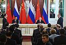 7月4日,在习近平主席、普京总统共同见证下,杨振武社长和塔斯社社长签署合作协议。[阅读]