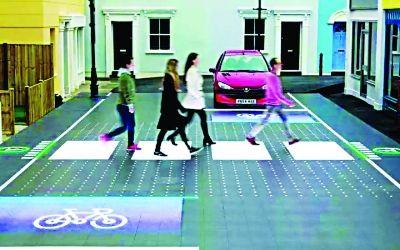 智能人行横道 是斑马线也是红绿灯