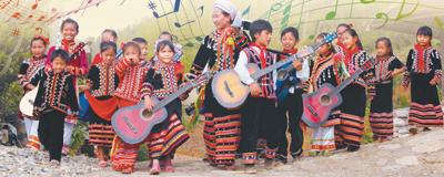 拉祜村寨听吉他进入老达保寨,快乐的歌声、吉他声便已传到耳际,欢迎人们的到来。[阅读]