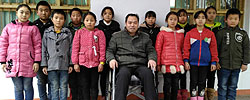 """""""轮椅教师""""的坚守从""""临危受命""""代课,到遭车祸坐上轮椅,余国安坚持在重庆山村守护山里孩子。[阅读]"""