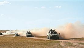 实战化训练锤炼合成营指挥机构
