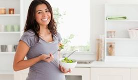 孕早期多吃菜,孩子哮喘降四成