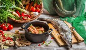 多吃蔬果鱼肉有助保持头脑灵活 预防脑萎缩