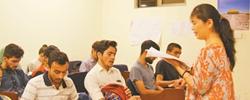 """巴基斯坦掀起""""留学中国热""""2017年新赴华留学生2500余名,在华留学生总数超2.2万,成为中巴友好的生力军。[阅读]"""