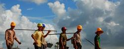 农民工新变化:学更多技能 过更好生活报告显示,新生代农民工群体的学历、收入、技术水平和生活环境逐步提升。[阅读]