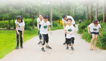 乌村 童玩节里的快乐童年