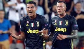 欧冠-C罗染红皮亚尼奇两球 尤文2-0完胜