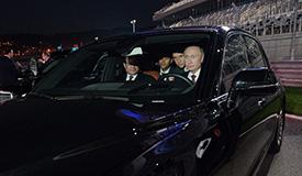 老司机上线!普京亲自开车带埃及总统兜风