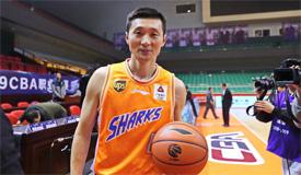 """高清:刘炜成CBA史上第三位""""万分先生"""""""