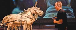 """""""穿越千年""""的文明对话""""秦始皇兵马俑:永恒的守卫""""展览近日在新西兰国家博物馆正式向公众开放。[阅读]"""