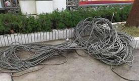 裝修工16樓作業弄臟業主衣服 被割斷安全繩