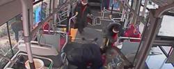 司機乘客用行動詮釋泉城人擔當天寒人心暖,發生在濟南公交車廂內的一幕,溫暖了無數人的心。﹝閱讀﹞