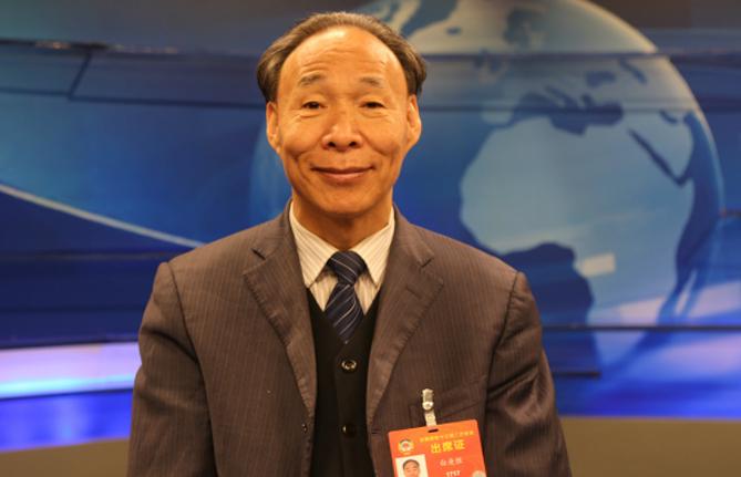 全国政协常委、中国作家协会副主席白庚胜:民族文化的保护与发展