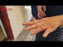 大钻戒卡手指