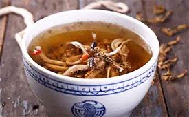 夏日湿疹,煲土茯苓草龟汤