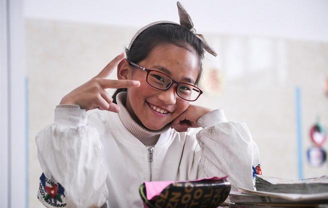 """关注学生视力 扎西旺姆的""""第一副眼镜"""""""