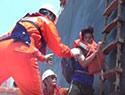 货船触礁成功救助