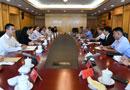 李宝善社长8月22日会见了以副总编辑金进秀为团长的朝鲜劳动新闻社代表团一行。[阅读]