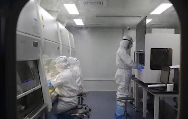 "<b>核酸如何检测?人民网记者带你实地探访武汉""火眼""实验室</b>"