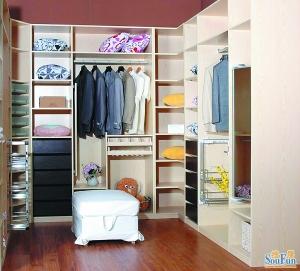 转角篮   好的橱柜的柜体都设计有转角篮.