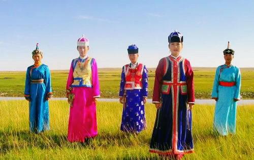 蒙古族传统服饰-标记生成出错,请与管理员联系图片
