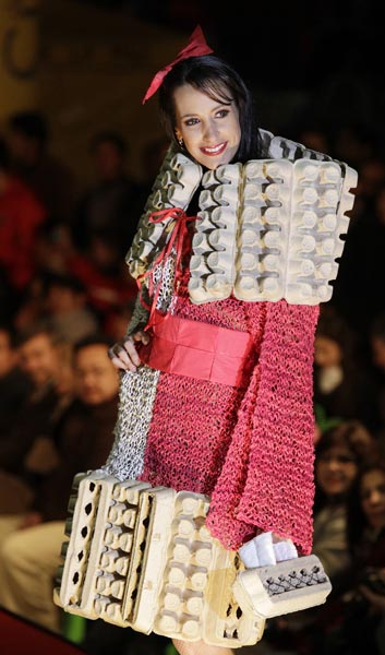 Fashion designers using recycled materials 95