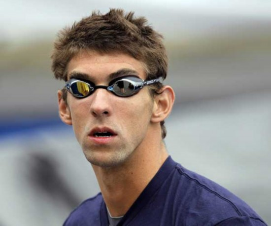 michael phelps looks around before competing in the heats of the men s
