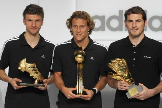 Forlan awarded Golden Ball - People's Daily Online