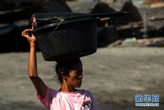 (国际)(4)印尼传统捕鲸村渐无鲸可捕