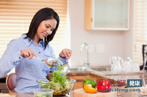 养生提示:豆浆忌生吃 8种食物生吃如服毒(图)