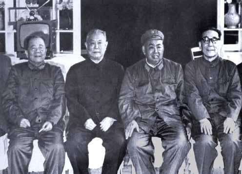 """寺岛志保先锋影音-谈话中,许世友记住了对他来说最重要的一句话,毛泽东说:""""南京军"""
