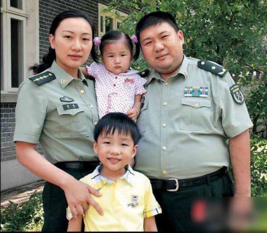 罕见旧照大曝光 全家福温馨【25】--中国政协新