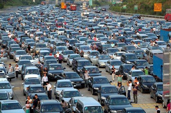 交通部:春节继续实行小客车高速路免费通行