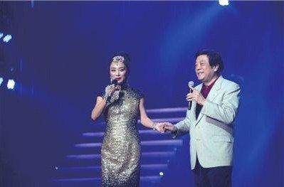 趙忠祥客串獻唱 李玲玉:實在緊張再不唱就老了