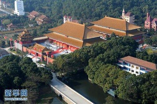 华西村博物馆中部仿古建筑群俯瞰。