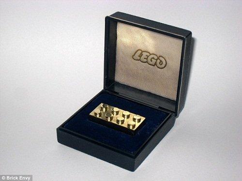 乐高纯金积木每块售近1.5万美元 或成最贵玩具(图)