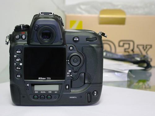 92万像素3英寸液晶屏 尼康D3X售44000元- M