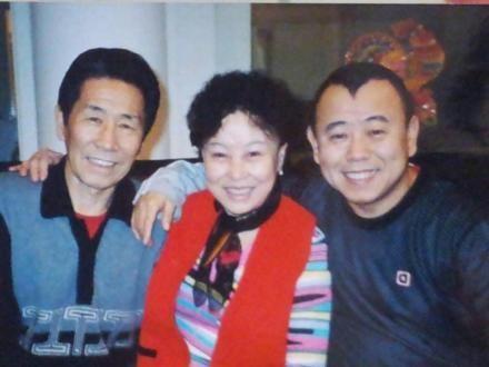 李斌蔚来老婆-...父母合影旧照 妻子女儿都是美人图片 20971 440x330