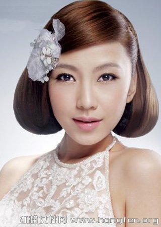 8款完美盘发发型打造梦幻新娘图片