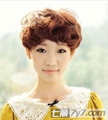 2013最新女生时尚短发发型 瘦脸短发彰显帅气个性图片