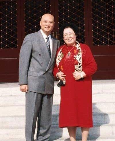 中国富豪名人背后的成功女人