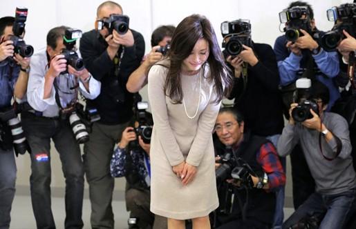 日媒再曝酒井法子丑事:吸毒被拘全裸检查