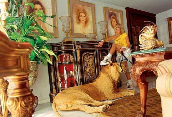 墨西哥名媛炫富生活 狮豹当宠物
