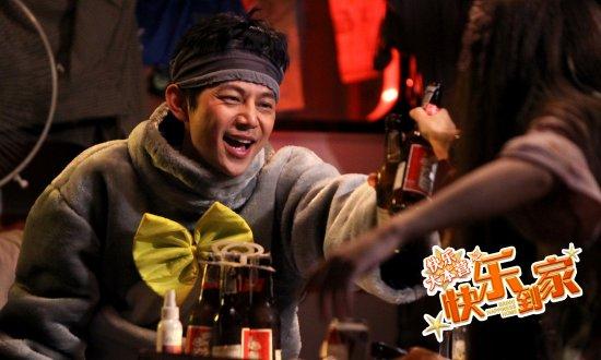 何炅扮考拉与谢娜血拼喝啤酒