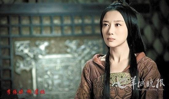 """刘邦 项羽/""""虞姬""""李依晓、""""秦始皇""""于和伟也都是《新三国》里的主演..."""