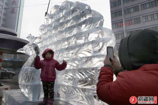 冰雕扮靓边城乌鲁木齐