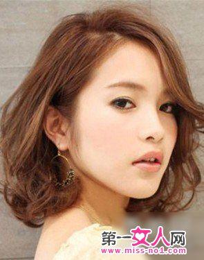 2013最新流行的韩式短卷发 变身俏美妞