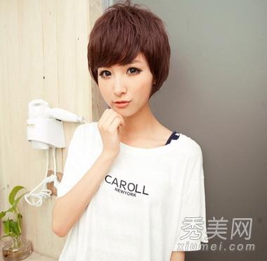 潮流款女生短发发型 结合染发更显时尚图片