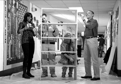 奥巴马就职大典拉开序幕 总统夫妇欢喜做义工